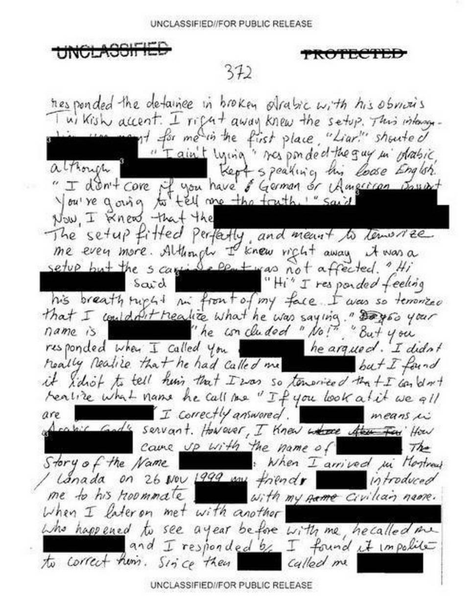 İngilizceyi Guantanamo'da öğrenen Slahi'nin el yazısı