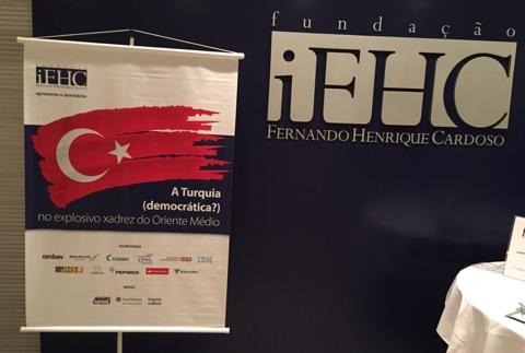 'Ortadoğu'nun patlayıcı satrancı içinde Türkiye: Demokrasi mi?' Brezilya'daki konuşma konumuz bu