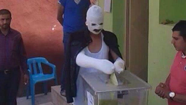 Diyarbakır'daki patlamada yaralanan seçmenler yaralı hâlde sandık başına gitti