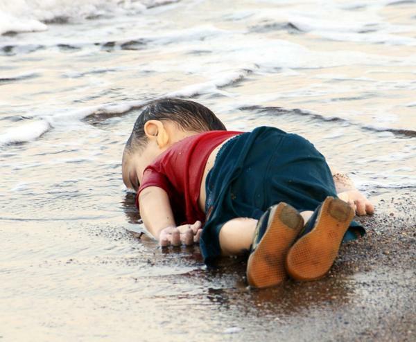 Bodrum'daki göçmen faciasında yaşamını yitiren Suriyeli Aylan (Fotoğraf: DHA-Nilüfer Demir)