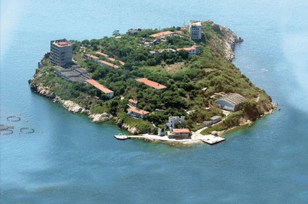 Adanın imara açılmadan önceki görüntüleri