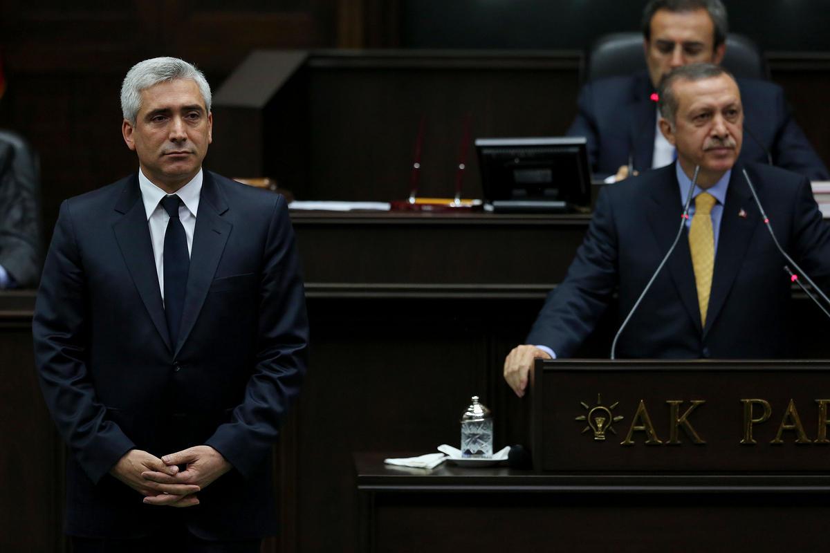 AKP Diyarbakır Milletvekili Salim Ensarioğlu (solda), 'Yasama bizde... Yürütme bizde... Yargı bizde... Her şey bizde' sözleriyle tartışma yarattı