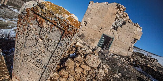 Manastırın tepisindeki Ermeni Kilisesi