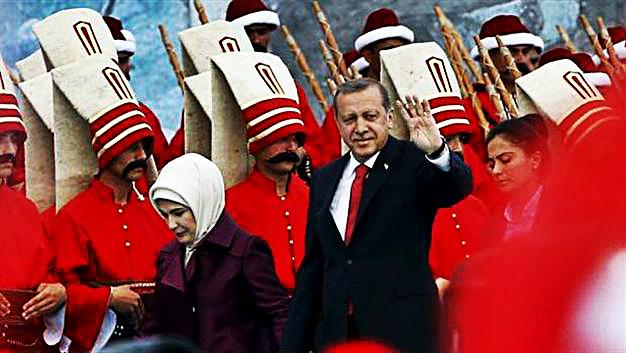 Ankara'da önceki gün konuşan Cumhurbaşkanı Tayyip Erdoğan, 'Milletin önüne bu anayasa er ya da geç gelecek. Başkanlık sistemi de gelecek' dedi.