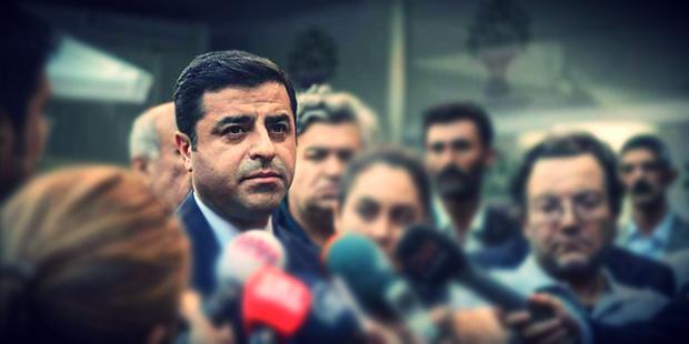 Selahattin Demirtaş 'Kılıçdaroğlu'nun dokunulmazlıklarla ilgili Genelkurmay'dan brifing aldığını duydum' dedi