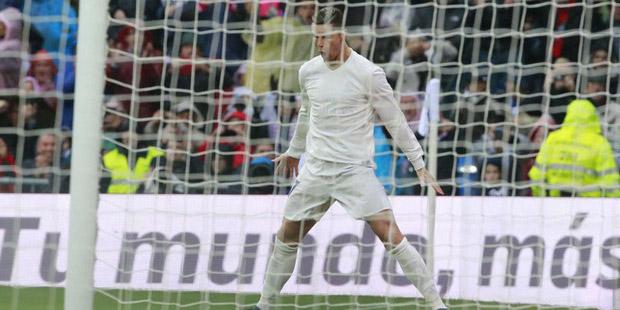 Gijon'un penaltı kaçırdığı maçta Real Madrid, Ronaldo'nun golleriyle sahadan 2-1 galip ayrıldı.