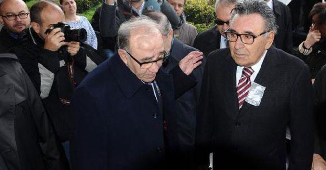 Fikret Bila ve Aydın Doğan (solda)
