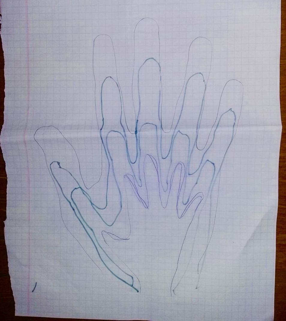 Serkan, eşi ve çocuklarıyla ellerini sadece birbirlerine cezaevinden gönderdikleri mektuplarda birleştirebiliyor. Serkan'ın el çiziminin üzerine eşi ve çocukları kendi ellerini çizip cezaevine gönderiyor.