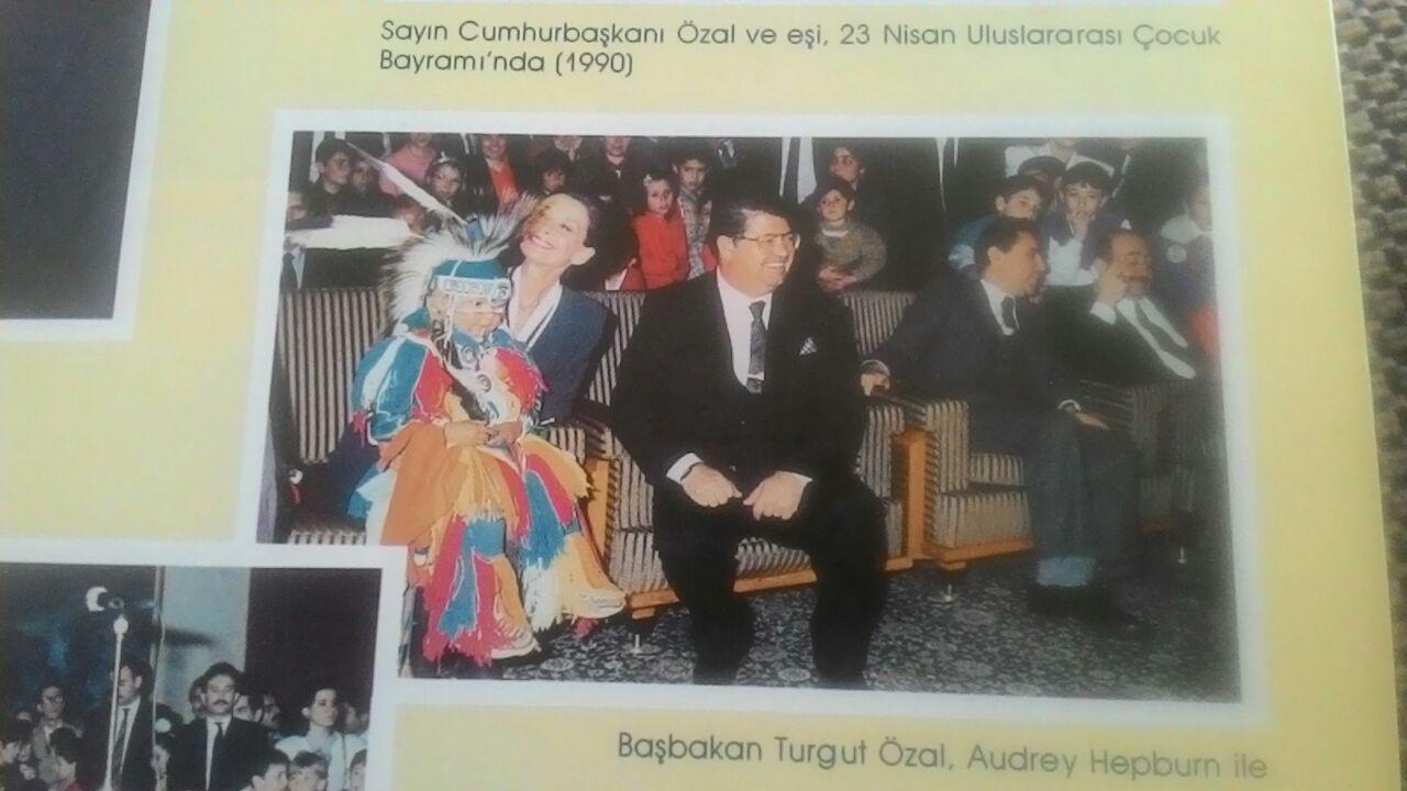 Turgut Özal ve Audrey Hepburn TRT'nin düzenlediği şenlikte