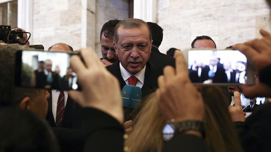 TBMM'deki 23 Nisan özel oturumunda Binali Yıldırım ile Kemal Kılıçdaroğlu'nun tartışmasını değerlendiren Cumhurbaşkanı Erdoğan, 'Tartışmalar üzerine değil, barış üzerine bina edin' dedi