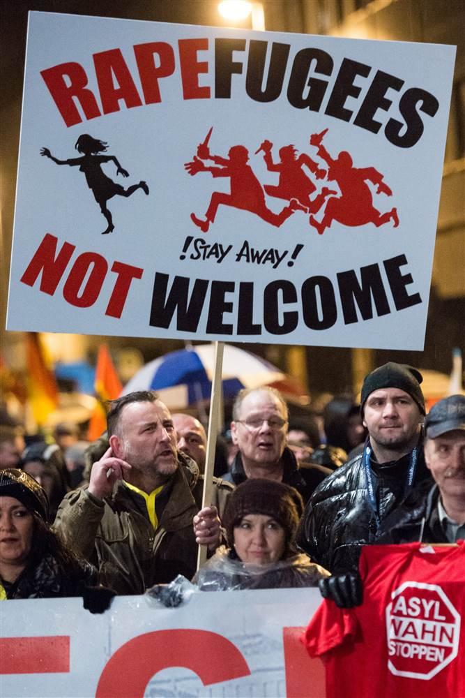 Almanya'daki Pegida yürüyüşlerinden bir görüntü.