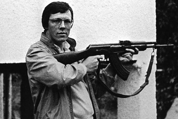 DUP'un geçen seneye kadarki lideri Peter Robinson...