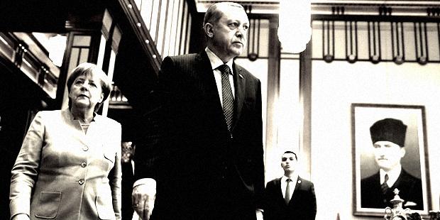Ankara ile Berlin arasındaki tansiyon, son dönemde yapılan karşılıklı açıklamalarla yükseldi. Son olarak Merkel, ''AB, ekimde Türkiye'yle ilişkileri tartışacak'' dedi