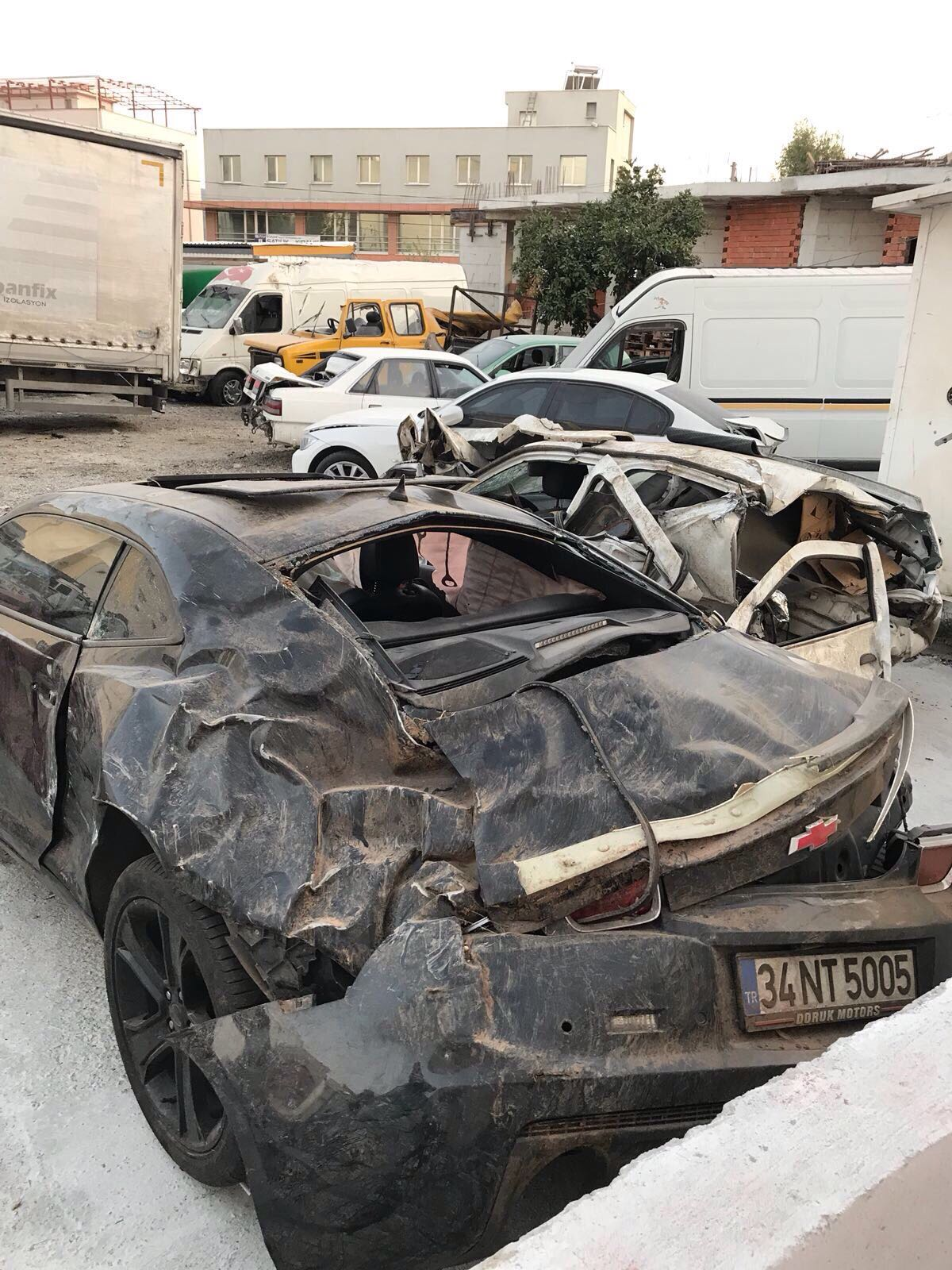 Kazadan sonra Emrah Serbes'in hurdaya çıkan otomobili