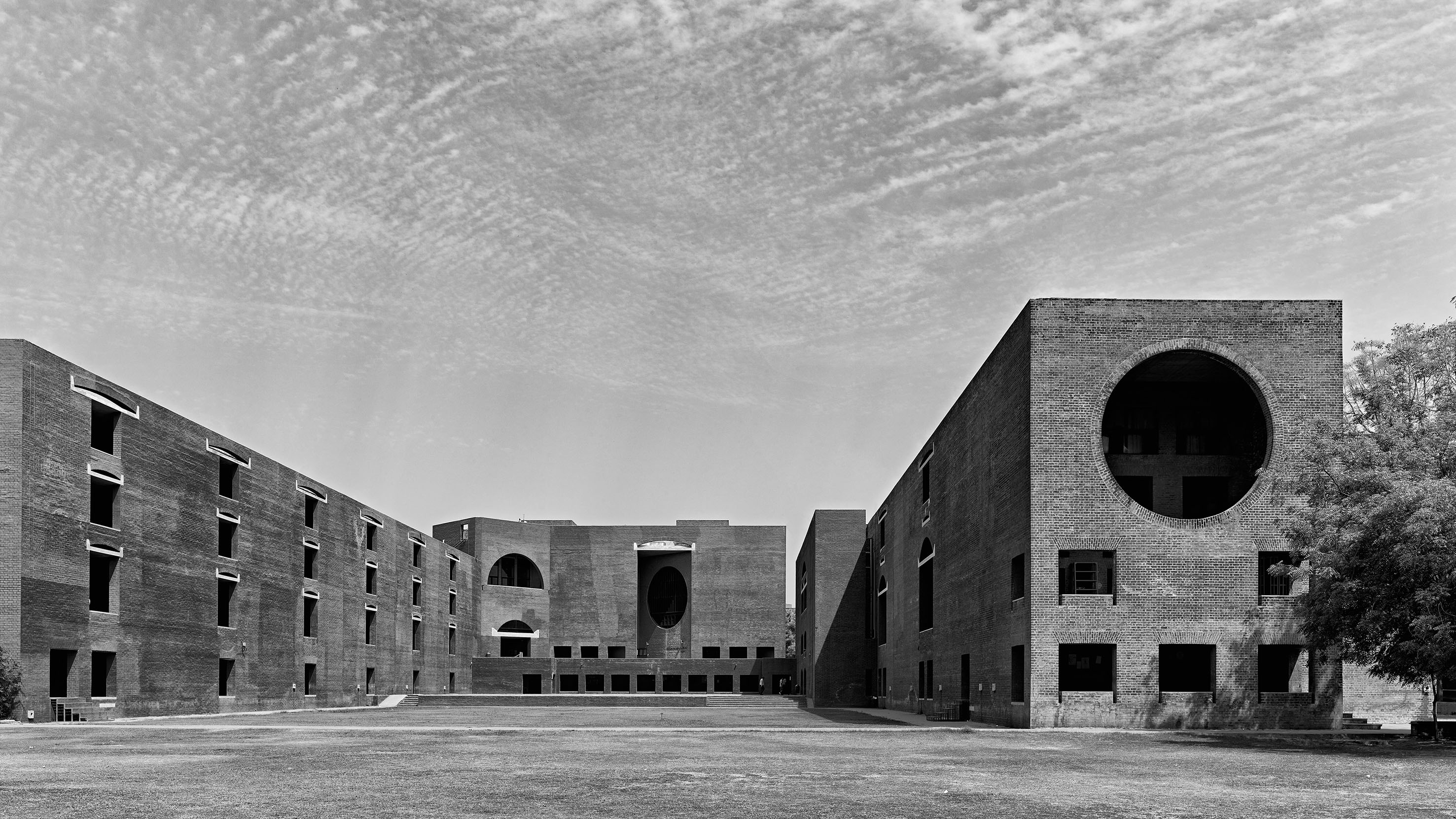 Hindistan İşletme Entstitüsü, Ahmedabad, Hindistan, 1962-74