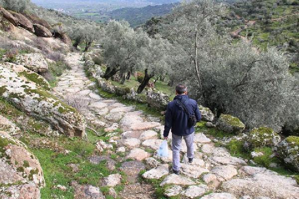 Antik Yollar : 2 bin 300 yıllık antik yol dozerle tahrip edildi