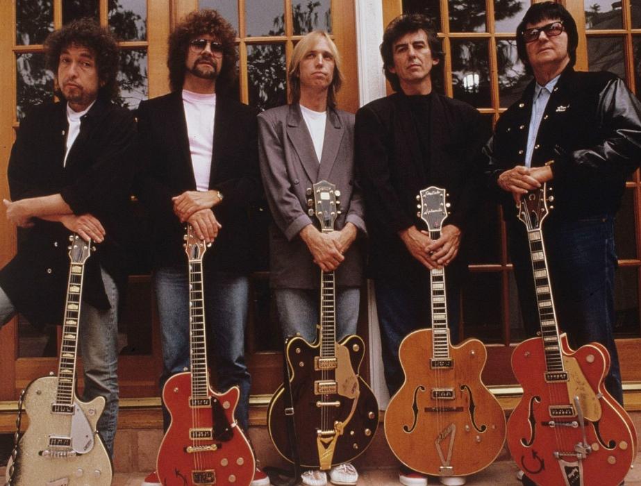 Soldan sağa: Bob, Jeff, Tom, George, Roy... Şimdi sadece Bob Dylan ve eff Lynne kaldı geride.