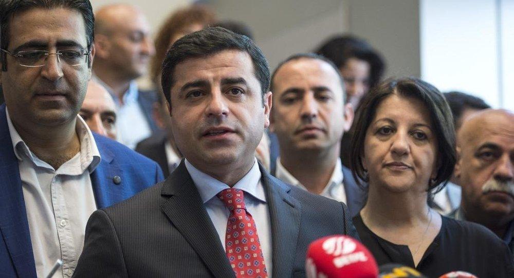 Baluken, Demirtaş ve HDP Eş Genel Başkanı Pervin Buldan (Arşiv)
