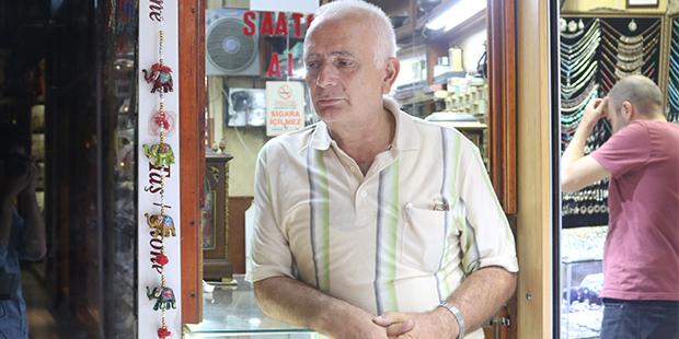 1960'lı yıllardan beri Kapalıçarşı'nın yerlisi: Ali Rıza Balcı
