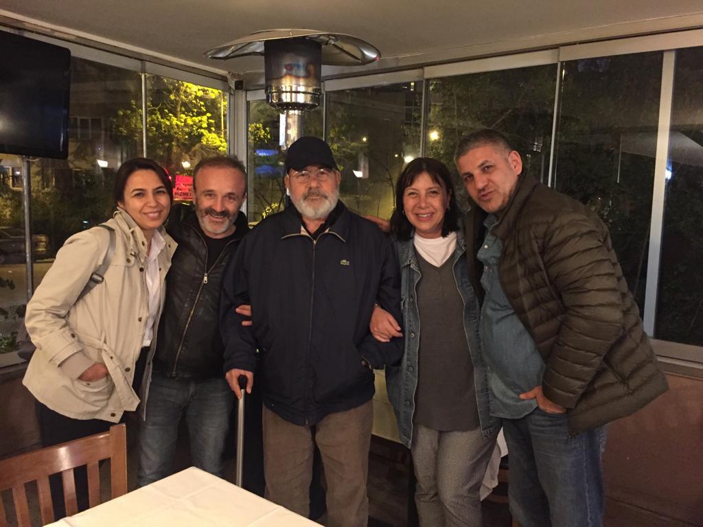 Baki Şehirlioğlu'yla birkaç ay önce son buluşma: Şehriban Oğhan, Yavuz Oğhan, Baki Şehirlioğlu, Çiğdem Anad, Vito Vitelli (Soldan sağa)
