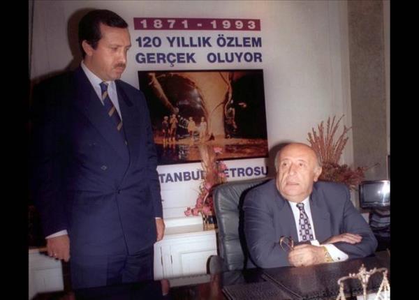 Dönemin Cumhurbaşkanı Süleyman Demirel ile İstanbul Büyükşehir Belediye Başkanı Tayyip Erdoğan (1994)