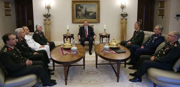 Cumhurbaşkanı Erdoğan, Genelkurmay Başkanı Org. Necdet Özel ve komuta kademesi ile birlikte...