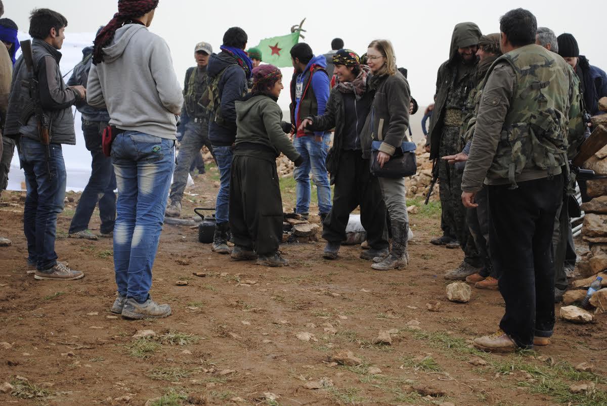 Arap, Kürt, Fransız, Rus, İngiliz, Polonyalı toplamda 10 gazeteciydik