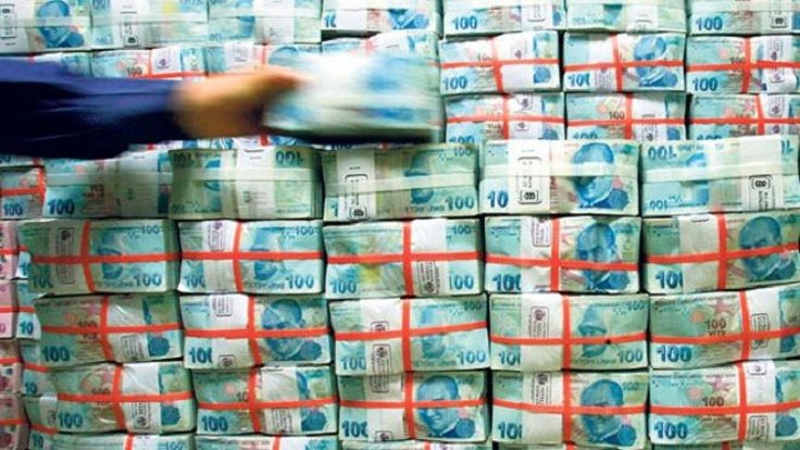 Hazine, nisanda borçlanma rekoru kırdı
