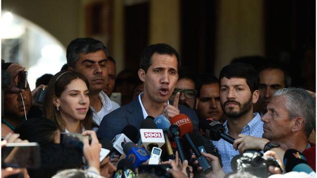 ABD Başkanı Trump Venezuelalı muhalif Juan Guaido'yu ülkenin lideri olarak tanıdığını açıklamıştı