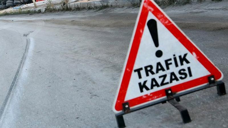 Sağanak yağış sonrası Maslak'ta trafik kazası: 3'ü ağır 4 yaralı
