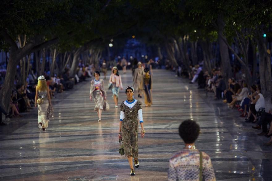Küba-Havana Büyük Meydan'da Chanel 2017 Cruise defilesi.