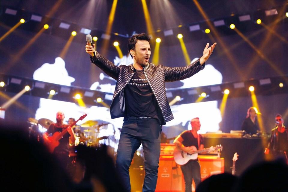 46 yaşındaki ünlü yıldız talep durumuna göre konser sayısında geçtiğimiz yıllarda olduğu gibi artış yapacak.