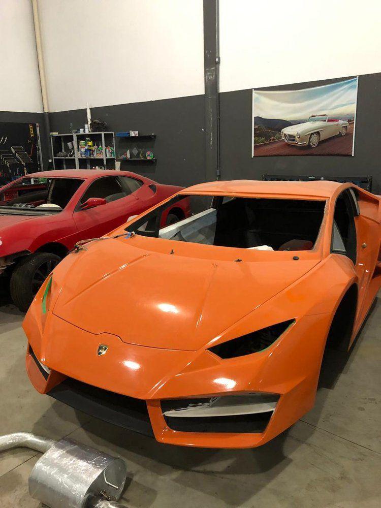 Sahte araçları sosyal medyada 45 bin ila 60 bin dolar arasından satışa çıkarıldığı belirtildi.