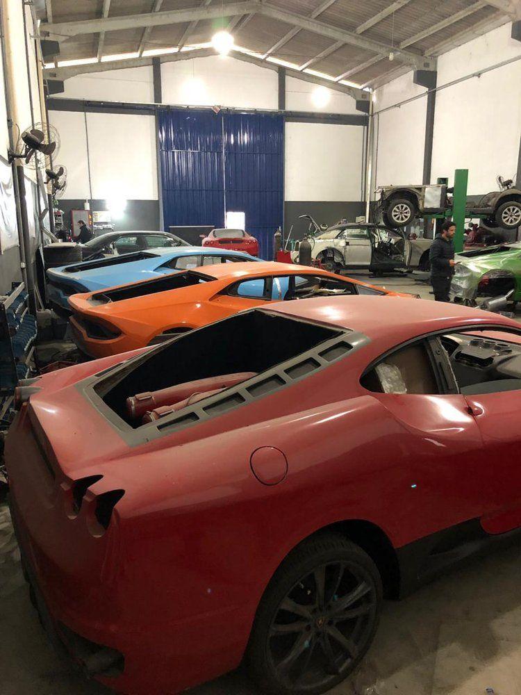 Brezilya'da sahte Ferrari ve Lamborghini üreten fabrika ortaya çıktı