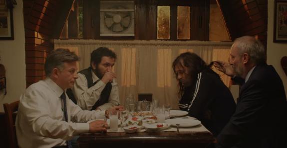 Ekip, fragmanda her zaman derleştikleri meyhanede görülüyor. Behzat'ın abisi Şevket (Ege Aydan) ve Asayiş şube müdürü Tahsin (Eray Eserol) da yeni sezonda var.