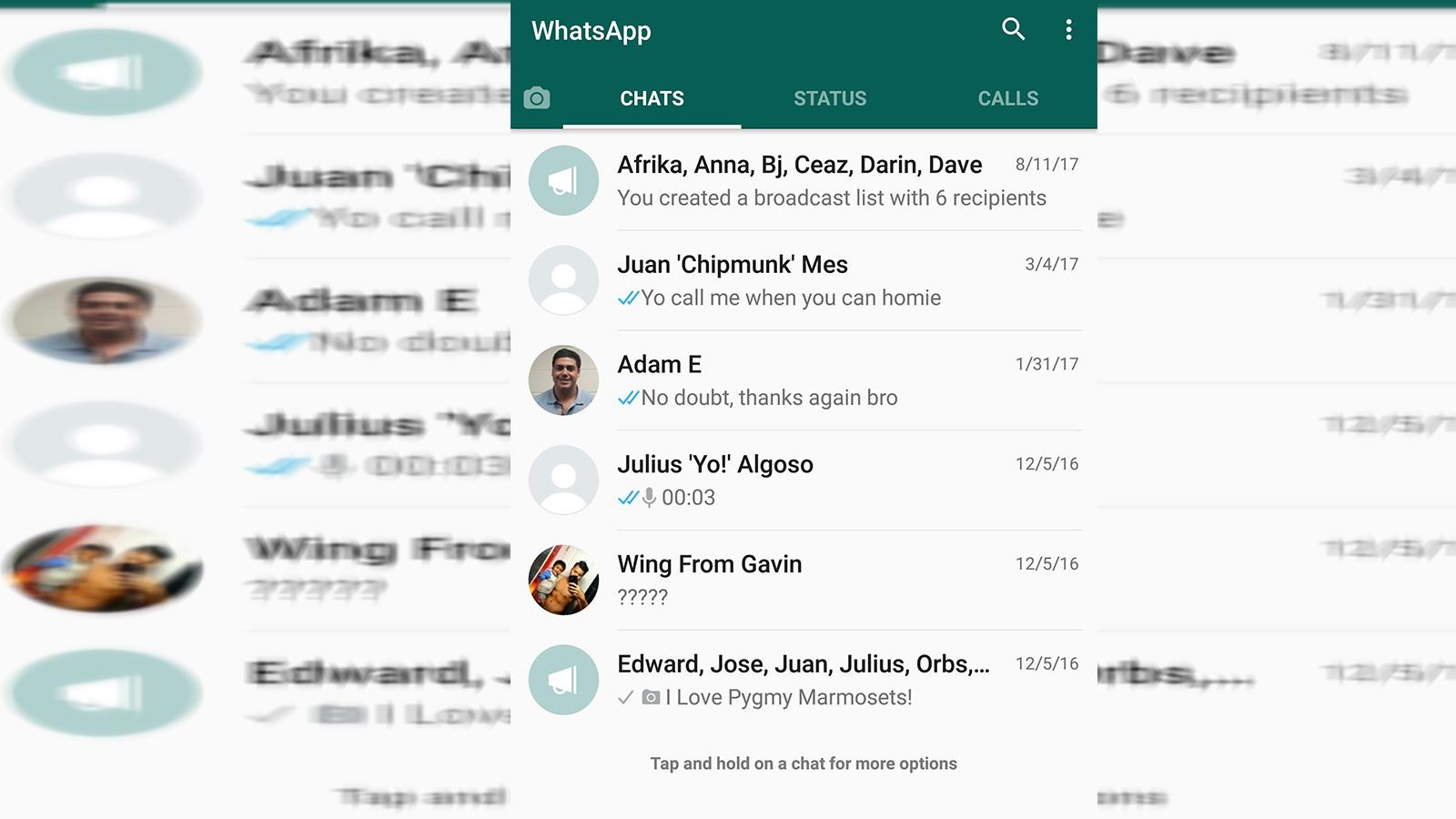 WhatsApp, internet bağlantısı aracılığıyla uzun süre ücretsiz olarak kullandığımız, yazılı, görüntülü ve sesli içerik gönderebildiğimiz uygulamalardan biri. Telefon görüşmesi yapma özelliği de uygulamanın kullanılmasına sebep olan etmenlerden. Çoğunlukla tanıdığımız insanlarla iletişim kursak da yeni tanıştığımız bir insanla iletişimin sürekliliği için kullanılan, akla gelen ilk platform.