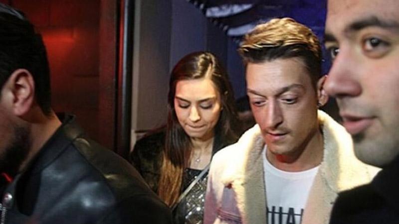 Mesut Özil'in koruma krizi