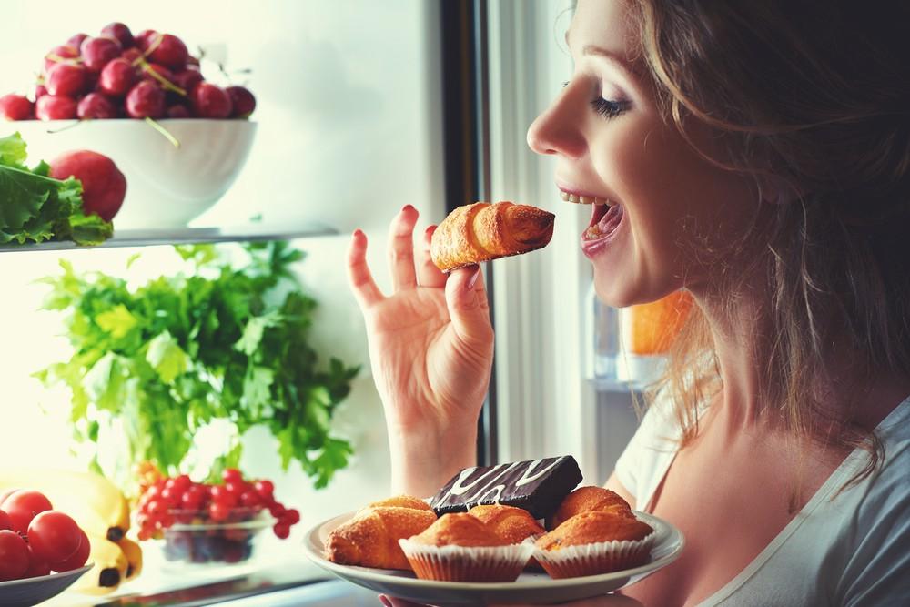 Kalorisi az olsa bile besin içeriği düşük olan bu besinler çabuk acıkmaya ve daha fazla yemek yemeye neden oluyor. Beslenme düzeninde köklü değişiklik yapılmayan bu diyetler bırakıldığında ise eski alışkanlıklara dönülüyor ve verilen kilolar tekrar alınıyor.