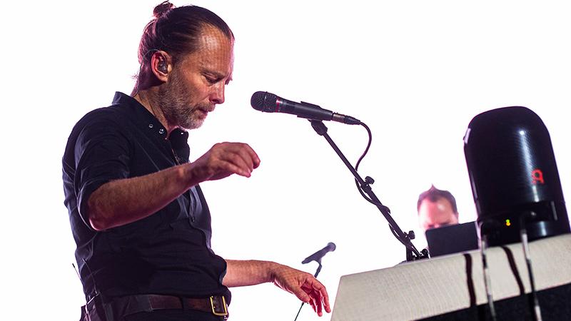 Radiohead'in solisti Thom Yorke cevaplayacak: Issız bir adaya düşecek olsan yanına hangi sekiz şarkıyı alırdın?
