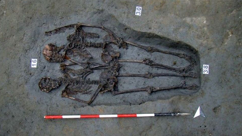 'Modenalı âşıklar' olarak bilinen, el ele tutuşan iskeletlerin 2 erkeğe ait olduğu belirlendi