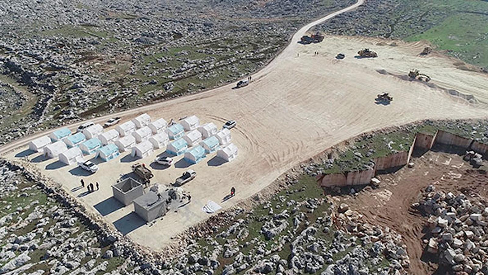 Türkiye, İdlib'den kaçan Suriyeliler için 9 kamp kurdu ile ilgili görsel sonucu