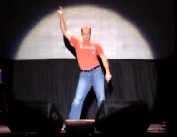 2006-2007 döneminde ise komedyen Judson Laipply'nin 6 dakika boyunca 20. yüzyılın danslarının başlıca hareketlerini görüntülediği video kısa sürede Youtube fenomeni oldu.
