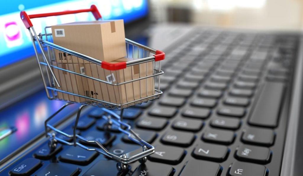 Market alışverişlerinin öncelikle internet üzerinden yapılması, bunun yapılamaması durumunda ise başkaları ile mesafenin korunması ve hijyen kurallarına dikkat edilmesi gerektiği belirtildi.