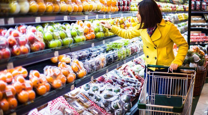 Diğer tüketiciler ve market çalışanları ile 2 metrelik mesafeyi koruma kuralına uyun.