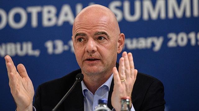 Son Dakika Fifa Başkanı Yeniden Infantino: FIFA Başkanı Infantino: Hepimiz Futbola Yeniden Başlamak