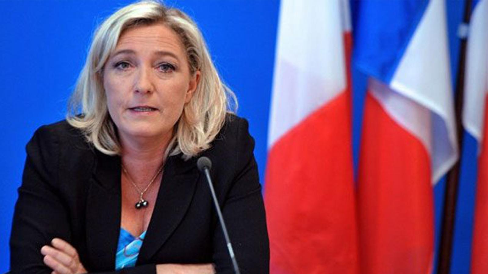Aşırı sağcı muhalefet lideri Le Pen'den 'başörtüsü yasaklansın' çağrısı