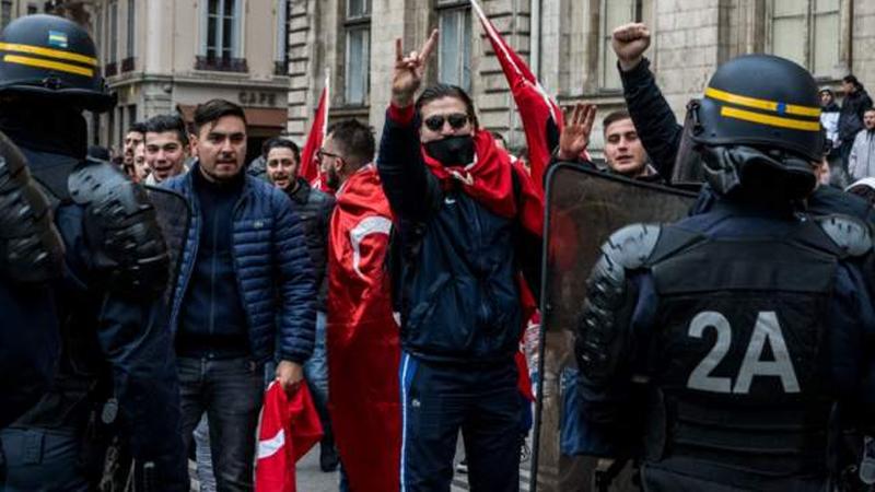 AFP: Fransa, Ülkü Ocakları'nın ülkedeki faaliyetlerini yasaklıyor