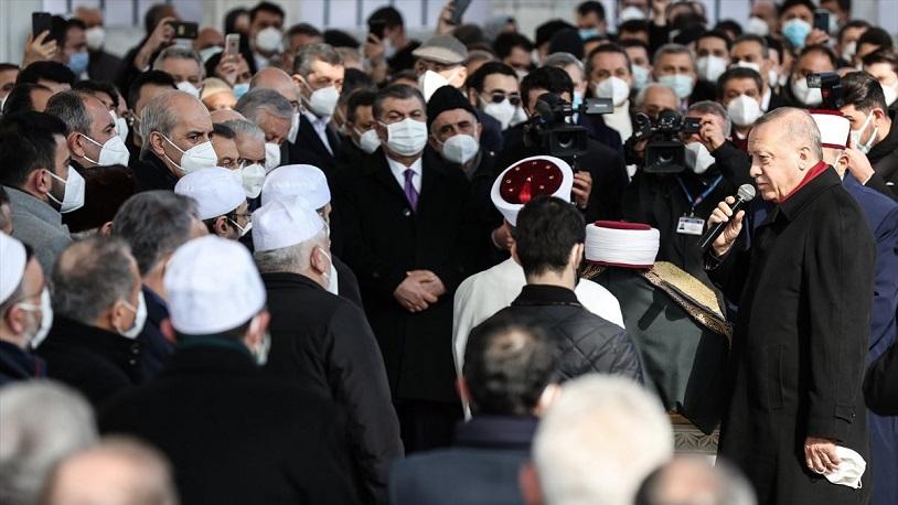 Muhammed Emin Saraç'ın cenazesine katılan Sağlık Bakanı Koca eleştiri  oklarının hedefinde - Fotoğraf Galerisi