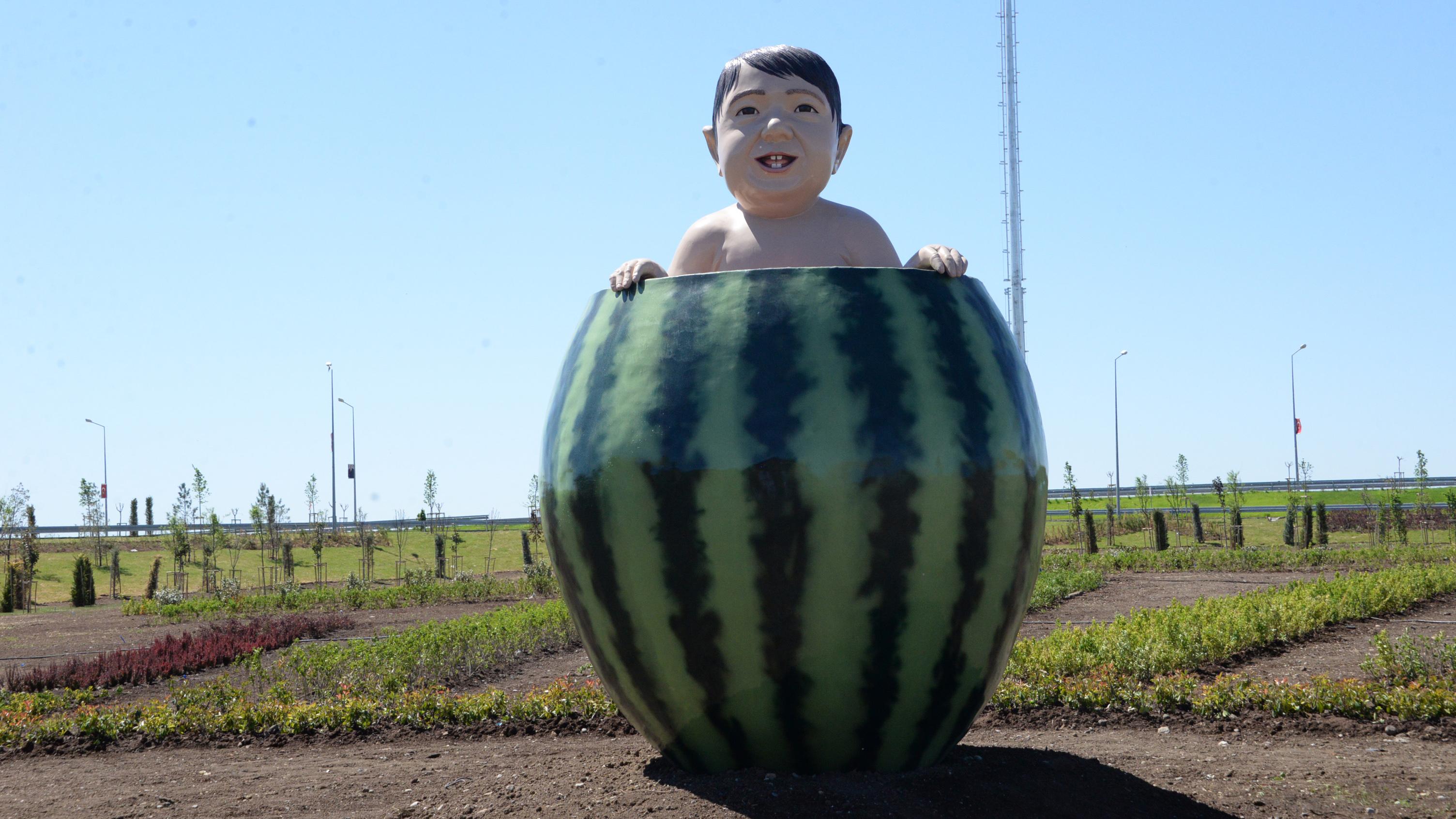 Diyarbakır karpuz heykel