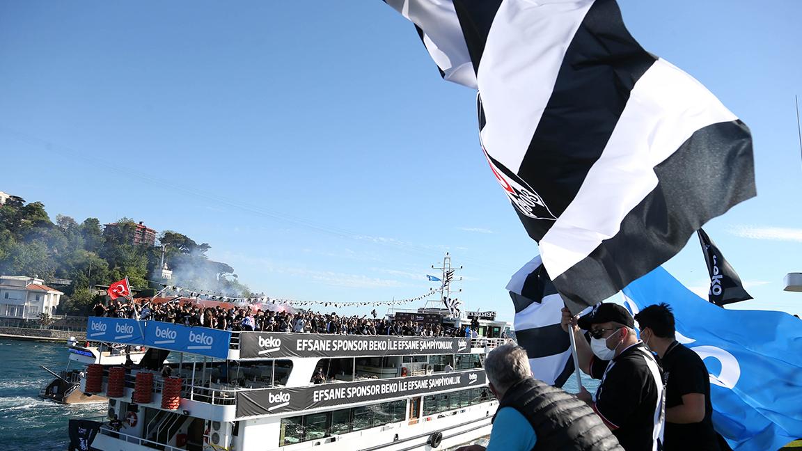 Beşiktaş'ın şampiyonluk kutlamaları Boğaz'da başladı